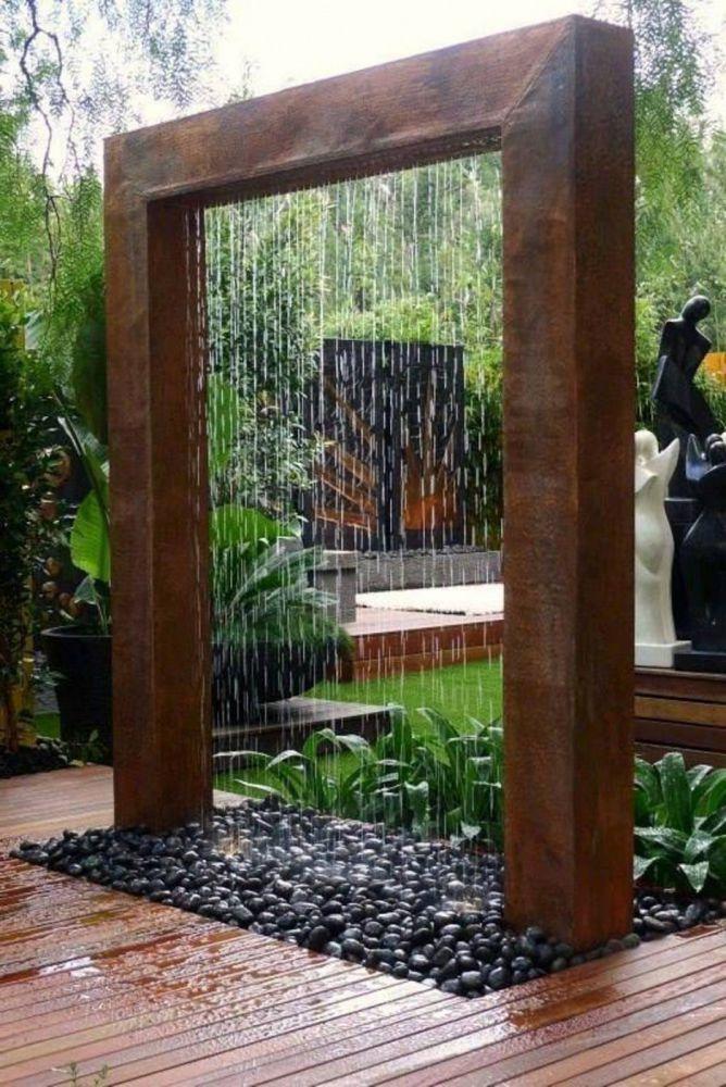Peyzajda su ve çit kullanımı